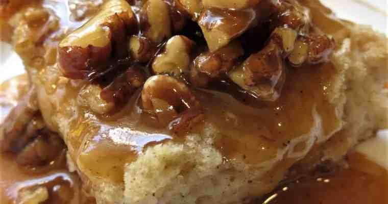 Bread Pudding With Pumpkin Pecan Praline Sauce