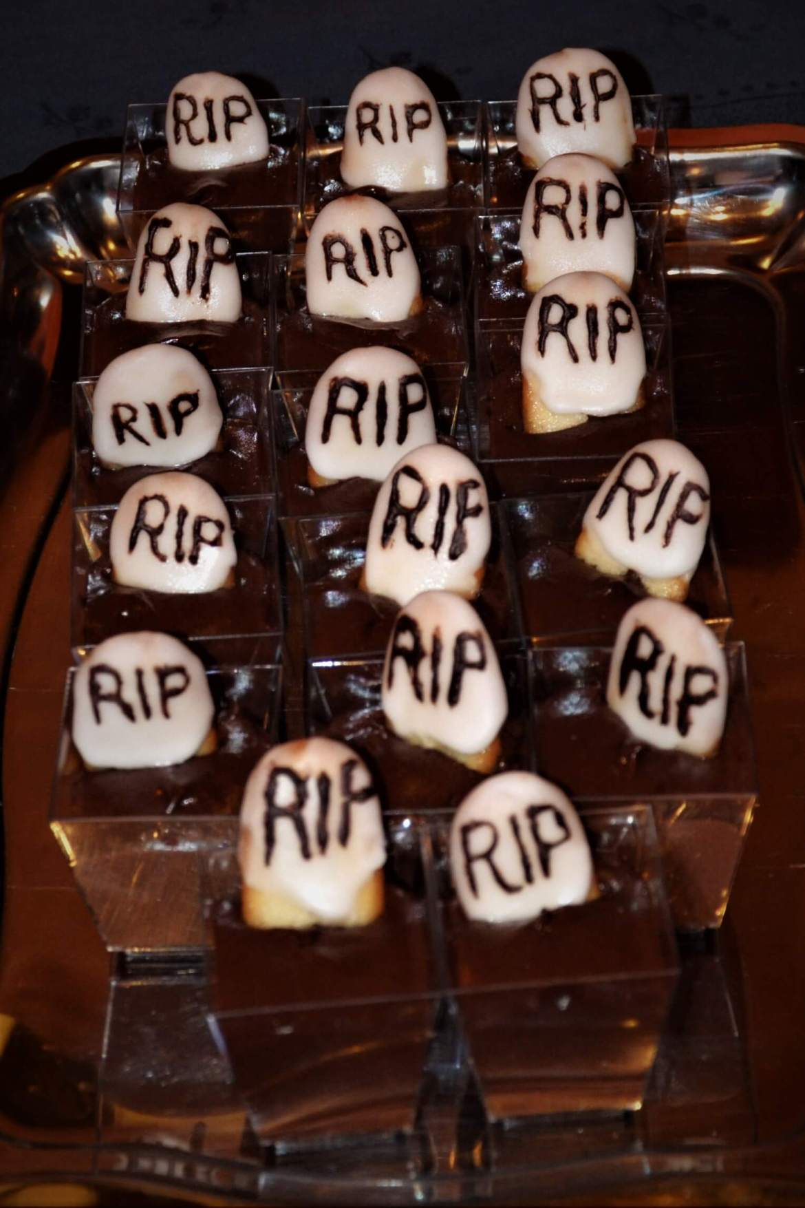 pierre tombale halloween mousse chocolat