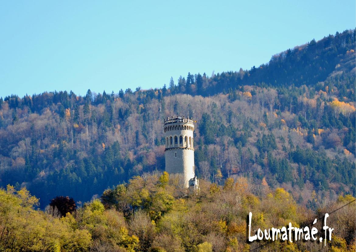 tour d'Avalon à Pontcharra en Automne