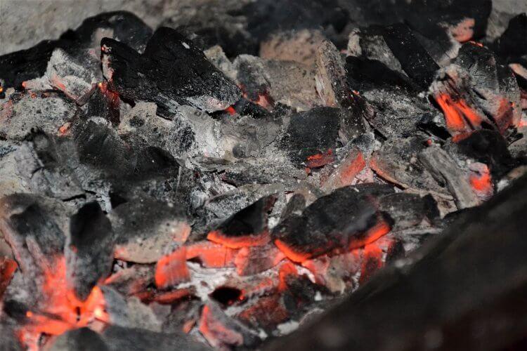 braises de charbon