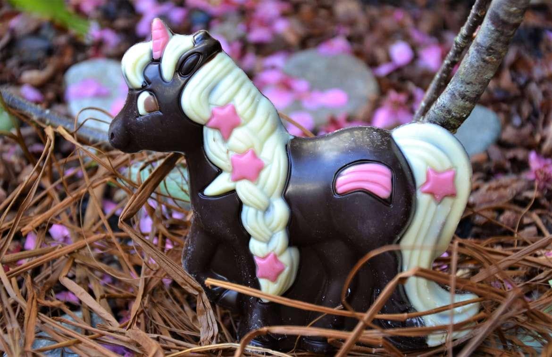 moulage de pâques licorne en chocolat de Neuville