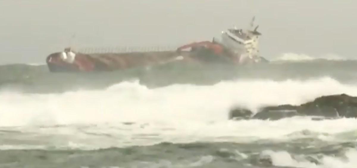 VIDEO: kruiisilaevale appi tõtanud kaubalaev triivis madalikule
