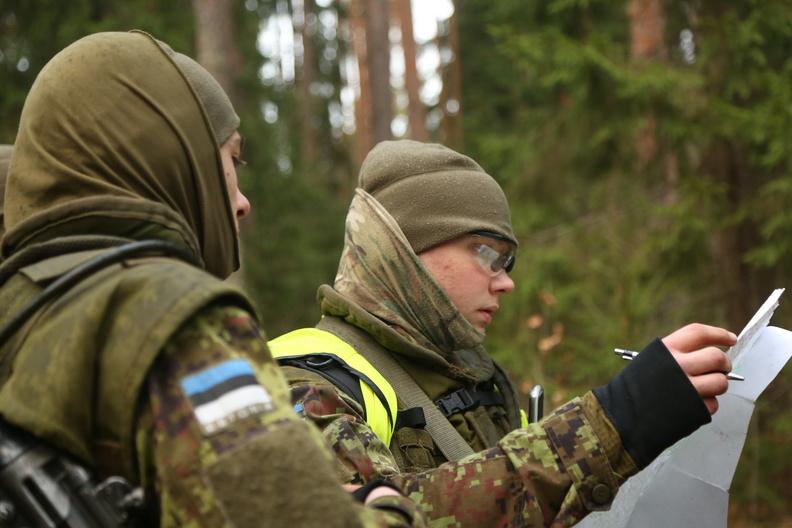 Fotod: Seersandirännak tõi Kuperjanovi jalaväepataljonile uued allohvitserid