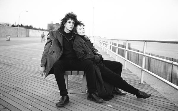 Lou-Reed-and-Laurie-Anderson-Coney-Island-New-York.jpg