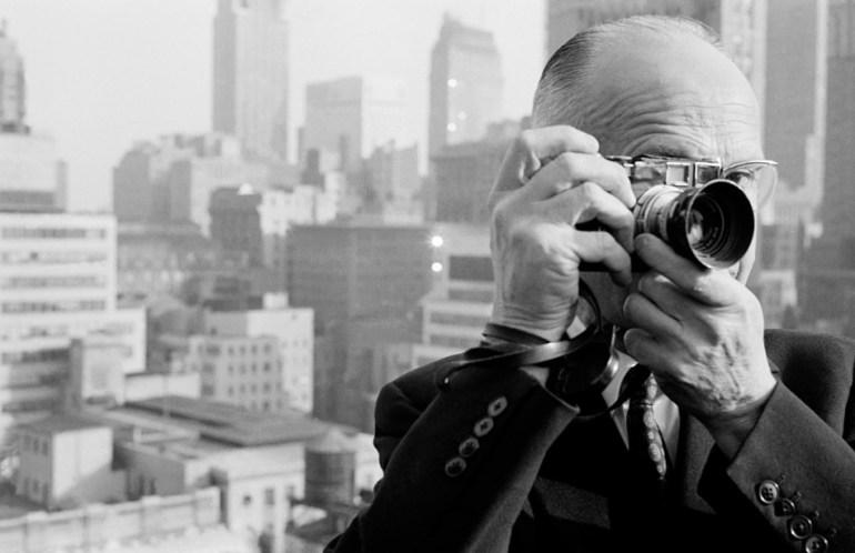 Dzisiaj wszyscy fotografujemy Dzisiaj wszyscy fotografujemy. Jak zacząć malować światłem? [Michał Massa Masior] 1