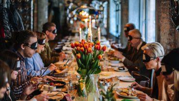 Warszawska restauracja otwiera oczy na niewidomych!