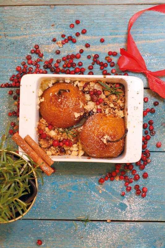 Gorące gruszki zkoniakiem Gorące gruszki zkoniakiem, miodem i cynamonową kruszonką [przepis] 1
