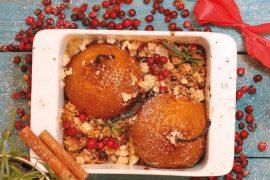 Gorące gruszki z koniakiem, miodem i cynamonową kruszonką