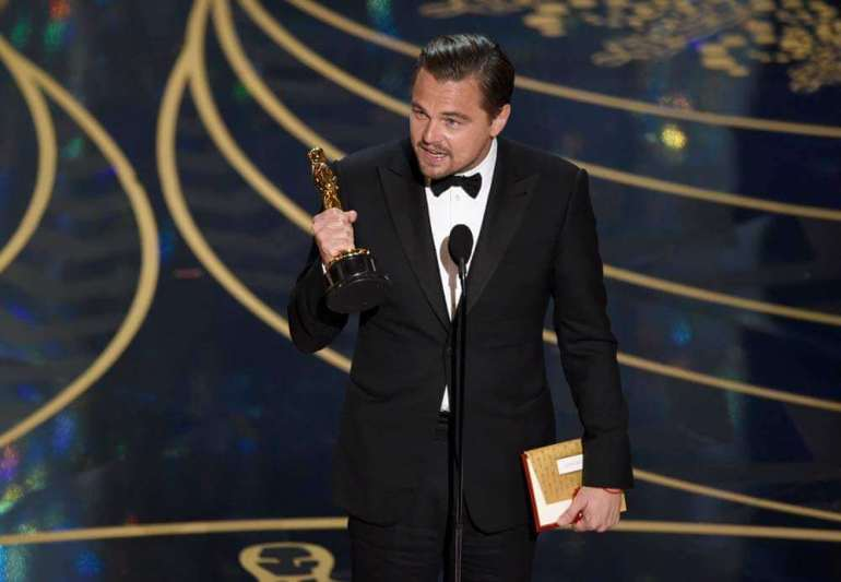 Leonardo DiCaprio zmuszony do oddania Oscara ! Leonardo DiCaprio zmuszony do oddania Oscara ! 1