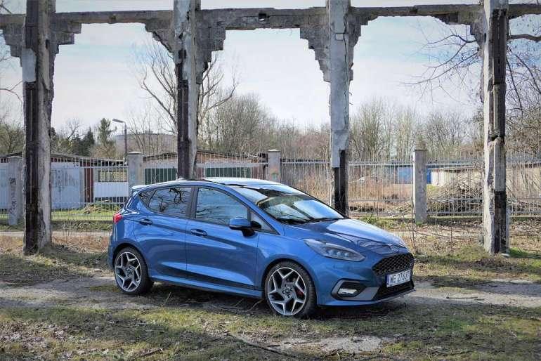 Ford Fiesta ST - kompan młodego kierowcy [test] Ford Fiesta ST - kompan młodego kierowcy [test] 5