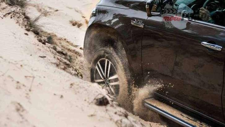 Wielkie starcie: Volkswagen vs Mercedes Kto zwycięży? [test] Wielkie starcie: Volkswagen vs Mercedes Kto zwycięży? [test] 4