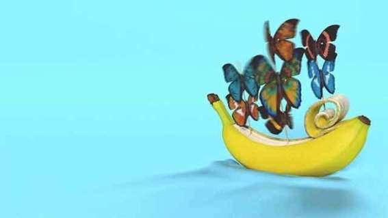 Banan ćmiący papierosa Banan ćmiący papierosa 2