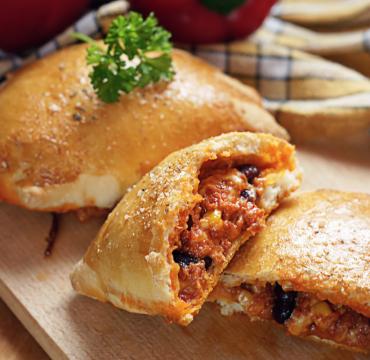 Pizza w nowej formie – meksykańskie calzone