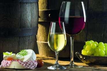 Jak łączyć wino zpotrawami: 9 ważnych wskazówek