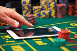 Hazard online czy offline – który wariant wybrać?
