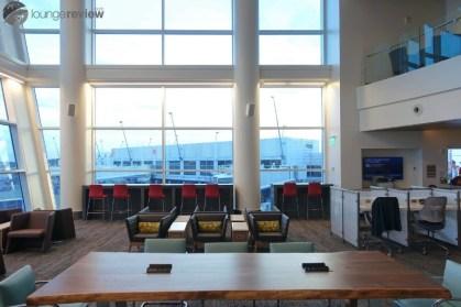 SEA-delta-sky-club-sea-concourse-a-b-00314