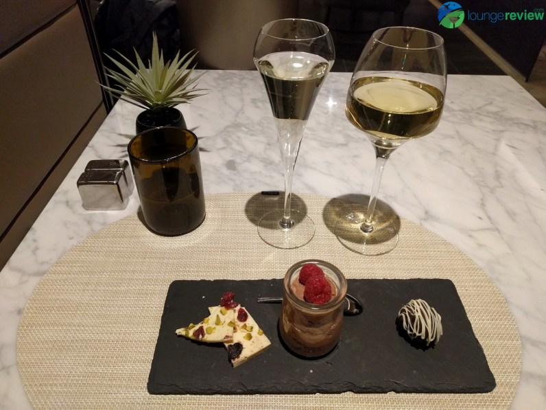 United Polaris Lounge Chicago O'Hare restaurant service: Decadence by chocolate
