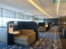 EWR-united-polaris-lounge-ewr-02704