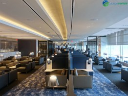 EWR-united-polaris-lounge-ewr-02820