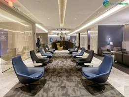 EWR-united-polaris-lounge-ewr-02890