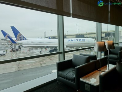 EWR-united-polaris-lounge-ewr-02926
