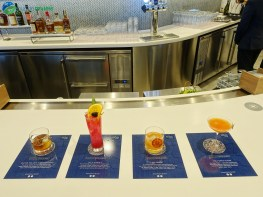 LAX-united-polaris-lounge-lax-08563-blg