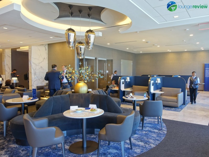 LAX-united-polaris-lounge-lax-09089-blg