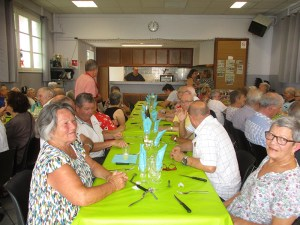 Read more about the article Lourdes : le Repas de l'été au Quartier de Sarsan tout en saveurs et convivialité