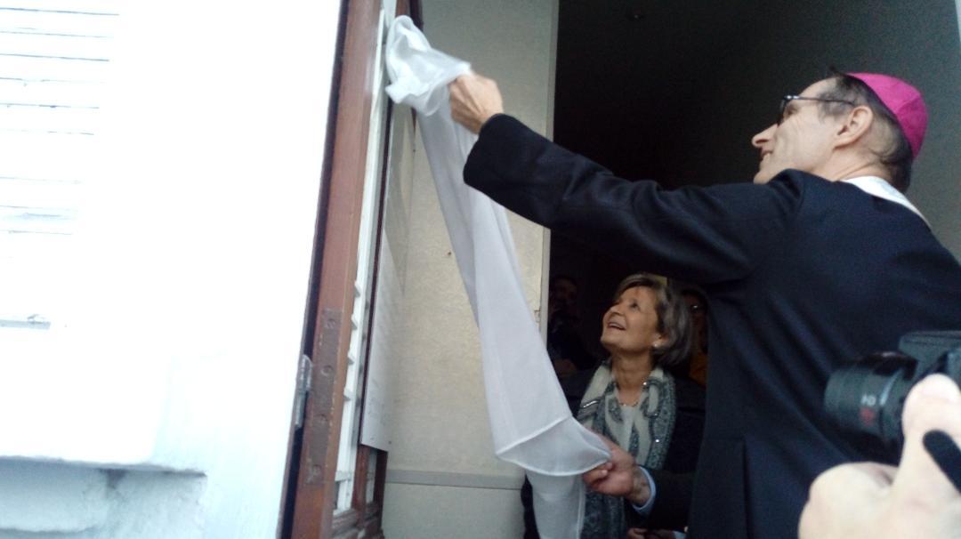 """Lourdes : Pose de la première pierre de la maison """"En Casa"""""""