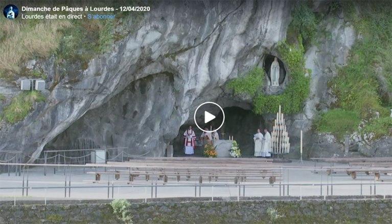 Lourdes : La messe du dimanche de Pâques depuis la Grotte de Lourdes.