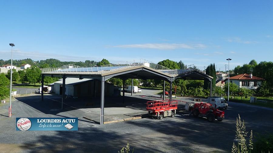 Lourdes : Le toit du boulodrome équipé de panneaux photovoltaïques