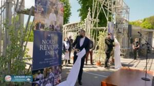 Read more about the article Mgr Ribadeau-Dumas a dévoilé une plaque portant la mention « Nous revoir enfin » pour la relance du Sanctuaire