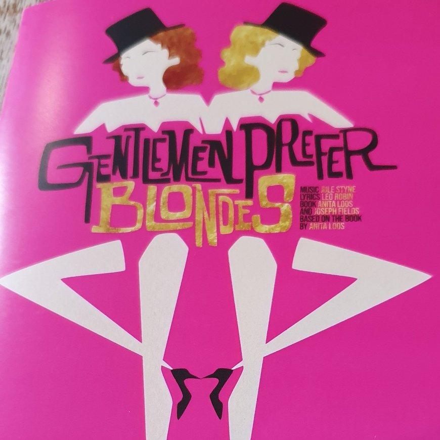 Poster image for Gentlemen Prefer Blondes
