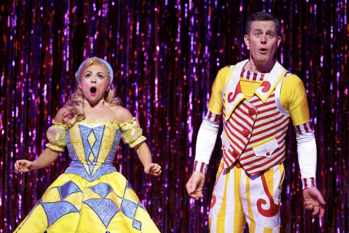 Sophie Isaacs and Matt Baker as Goldilocks and the Three Bears
