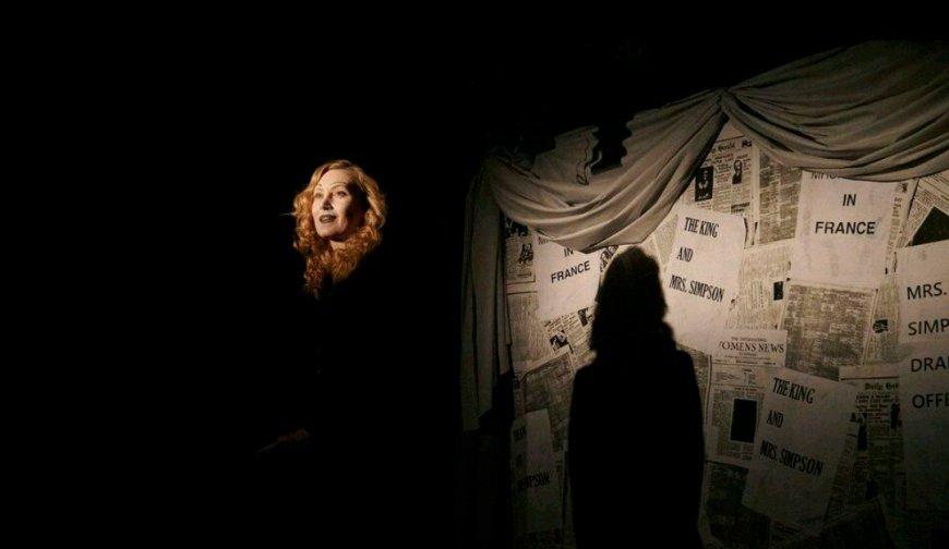 Dietrich in Falling in Love Again