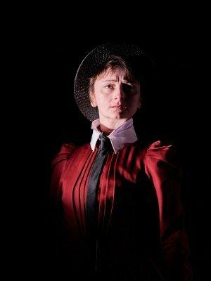 Jodie McNee as Johanna