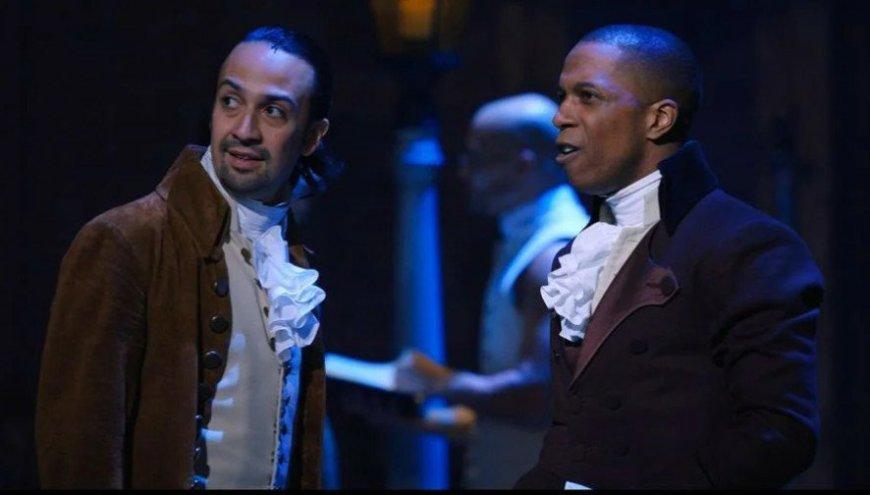 Hamilton (Lin-Manuel Miranda) and Burr (Leslie Odom Jr)