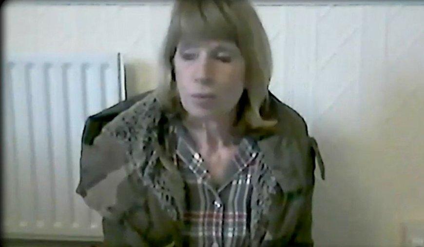 Julia Murrow in Scammed
