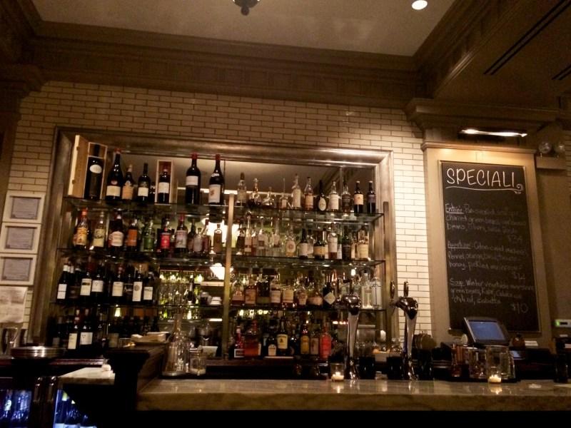 Bar at Acanto
