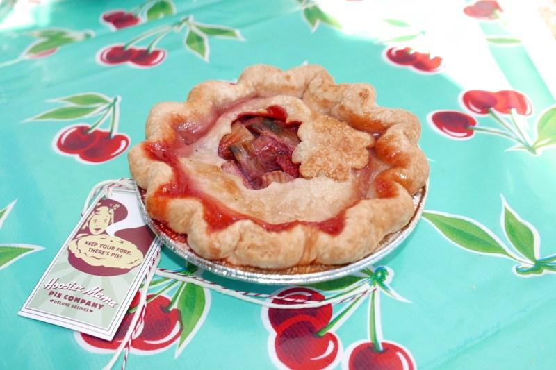 Hoosier Mama Strawberry Rhubarb Pie