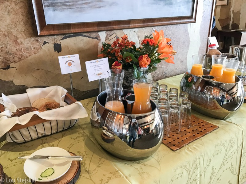 St-Viateur Bagels and fresh-squeezed juices at Le Hatley