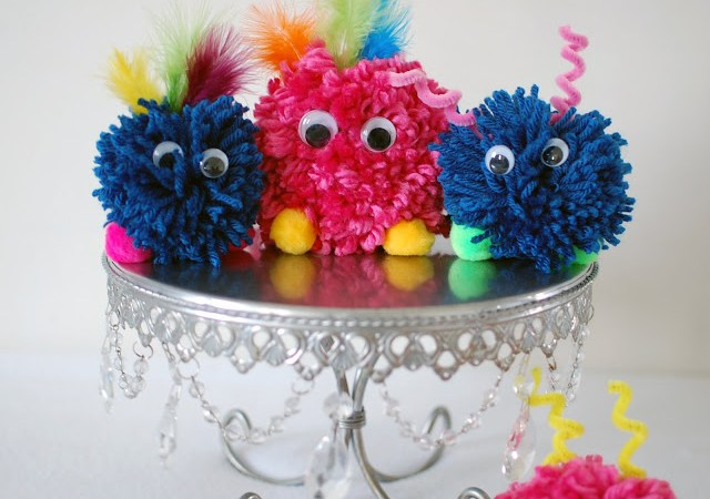DIY: Pom Pom Monsters