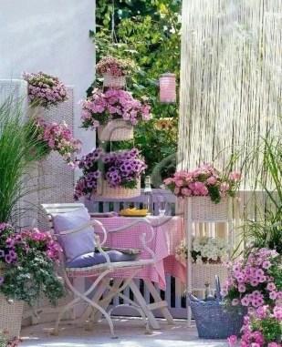 Best Ideas To Change Your Balcony Decor Into A Romantic Design 06