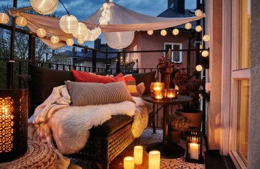 Best Ideas To Change Your Balcony Decor Into A Romantic Design 14