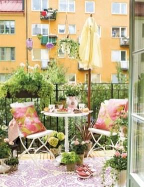 Best Ideas To Change Your Balcony Decor Into A Romantic Design 43