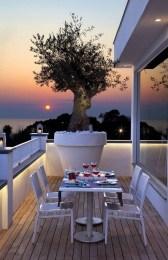 Best Ideas To Change Your Balcony Decor Into A Romantic Design 49