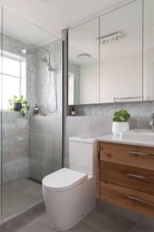Brilliant Bathroom Design Ideas For Small Space 04