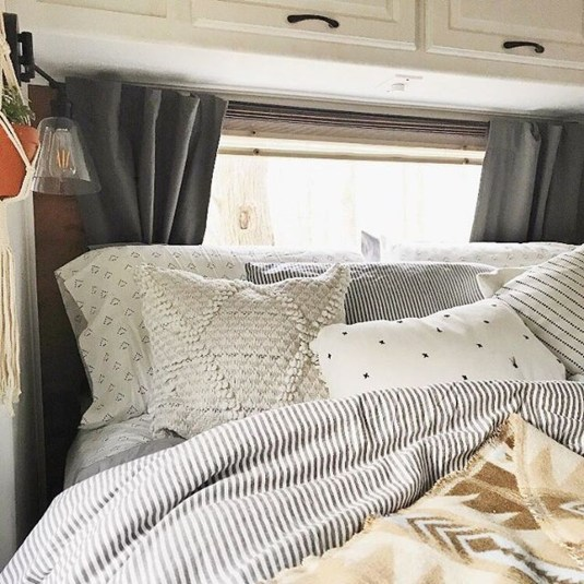 Cozy RV Bed Remodel Ideas On A Budget 43