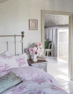 Cute Shabby Chic Bedroom Design Ideas For Your Daughter 29
