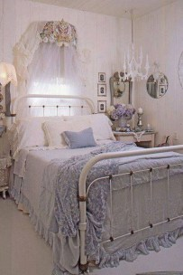 Cute Shabby Chic Bedroom Design Ideas For Your Daughter 30